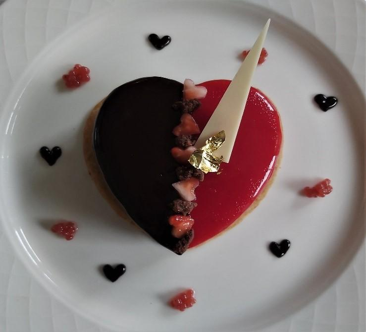 A HEART TO SHARE, VEGAN AND GLUTEN-FREE PLATED DESSERT